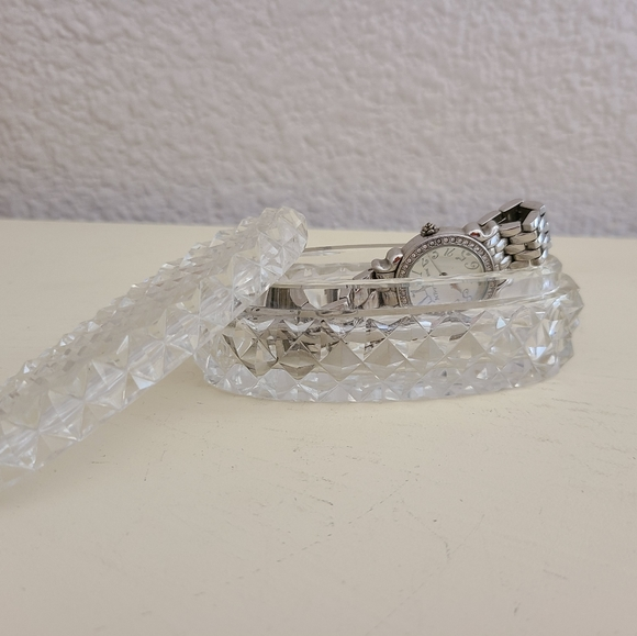 Other - Vintage small oval crystal jewelry box